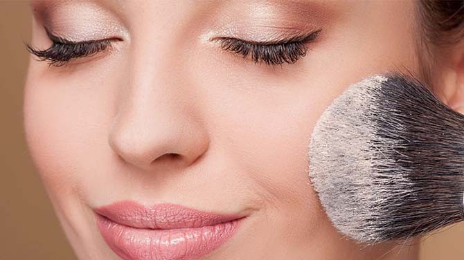 Steps to Prepare Your Face Before Applying Makeup